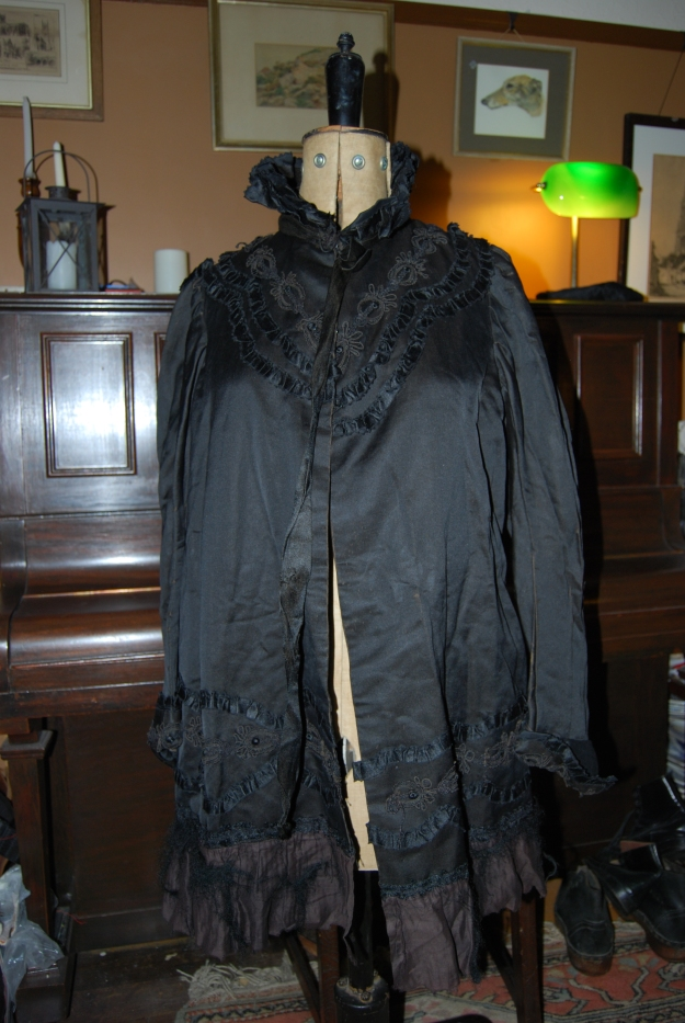 Black silk cape: late Victorian - Edwardian